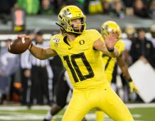 Oregon Ducks QB Justin Herbert