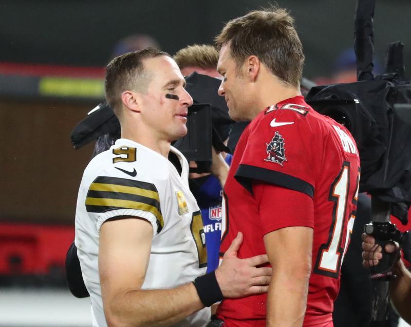 Senior Citizens Drew Brees (l) and Tom Brady