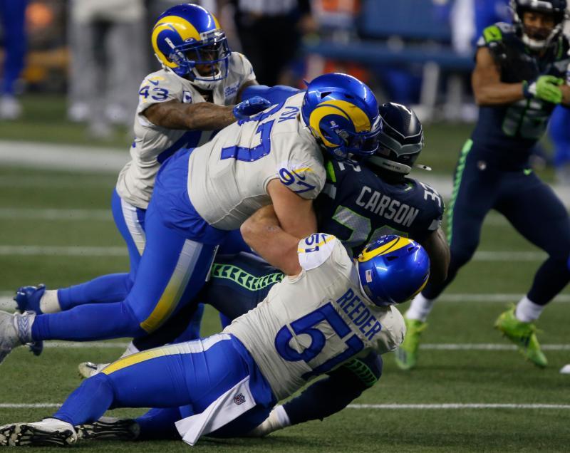 Los Angeles Rams linebacker Troy Reeder